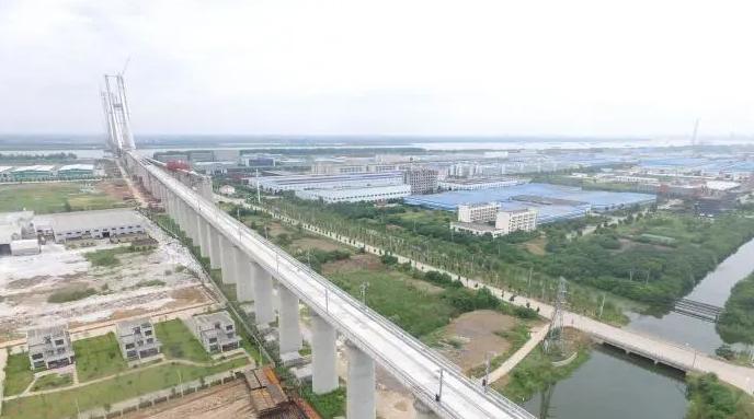 安九铁路完成无砟轨道施工 为后续铺轨贯通创造条件